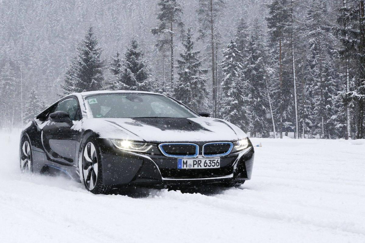 Autonomie-de-la-BMW-i8-6.jpeg
