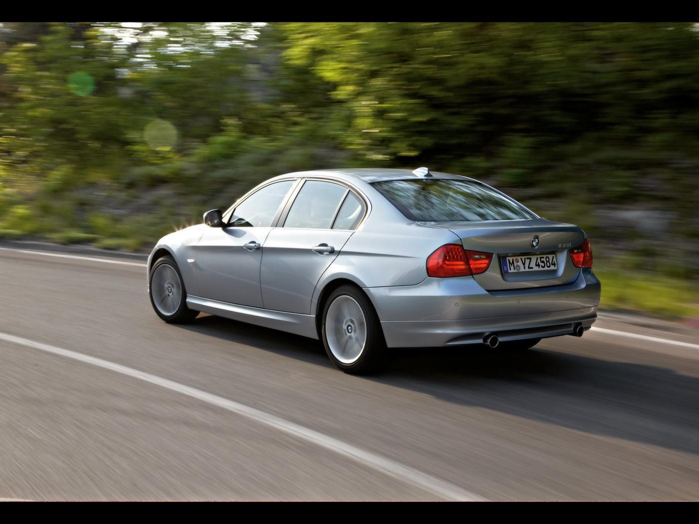 BMW--E90.jpeg