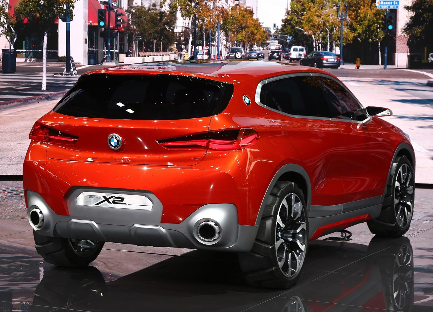 BMW--X2--face-arriere.jpeg