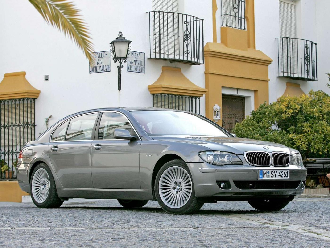 BMW-750i-E65.jpeg