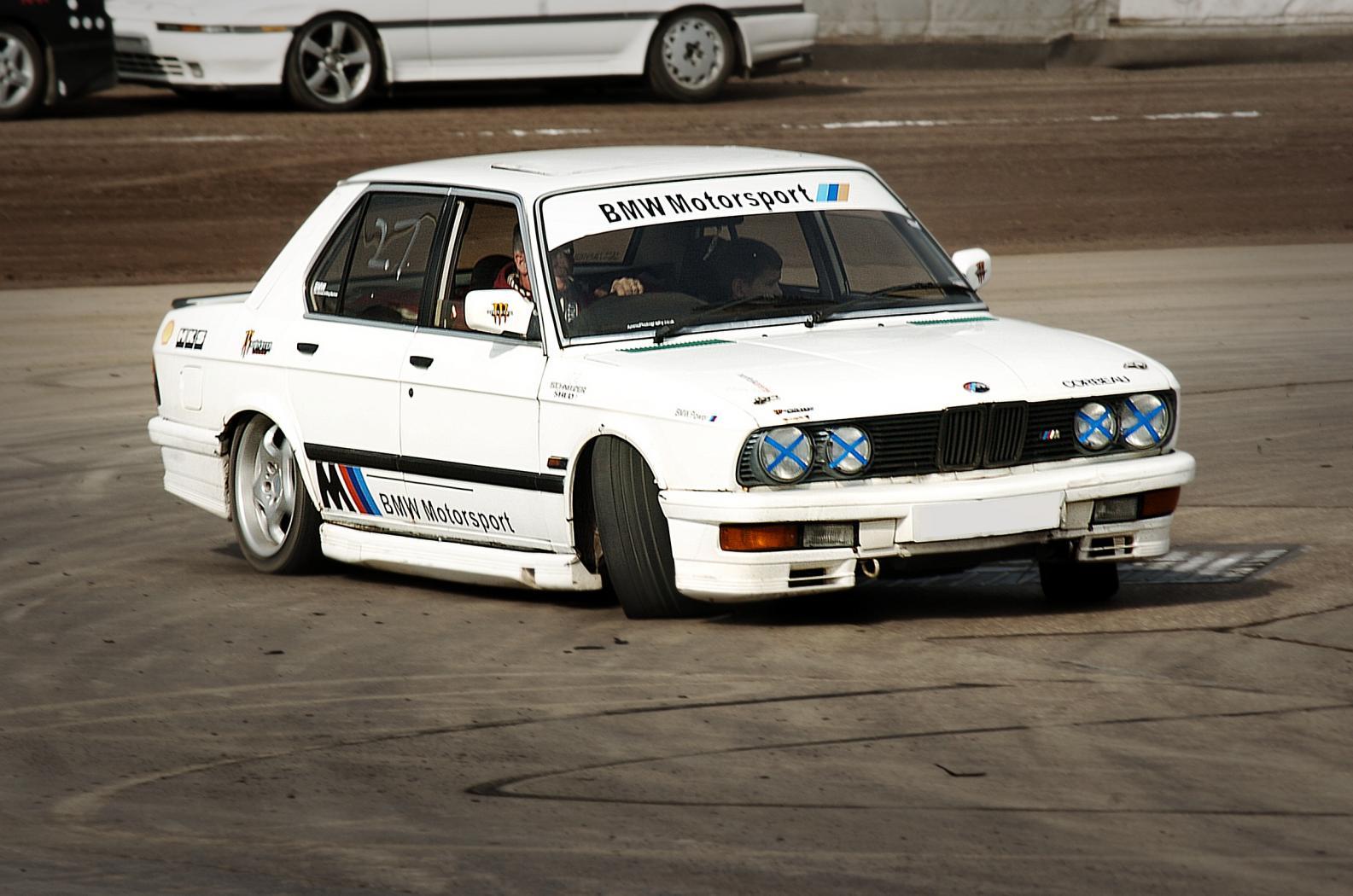 BMW-E28-10.jpeg
