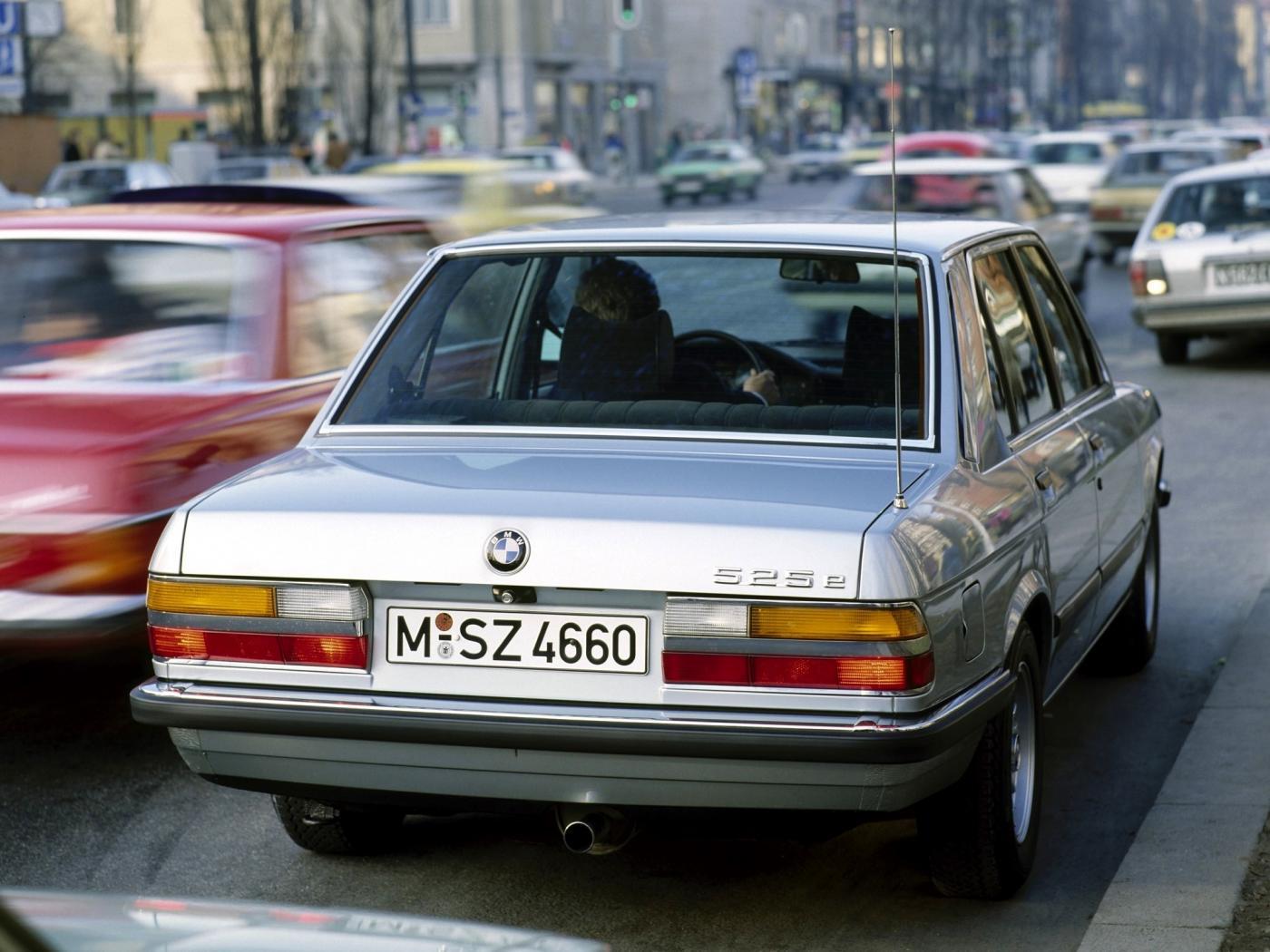 BMW-E28-6.jpeg