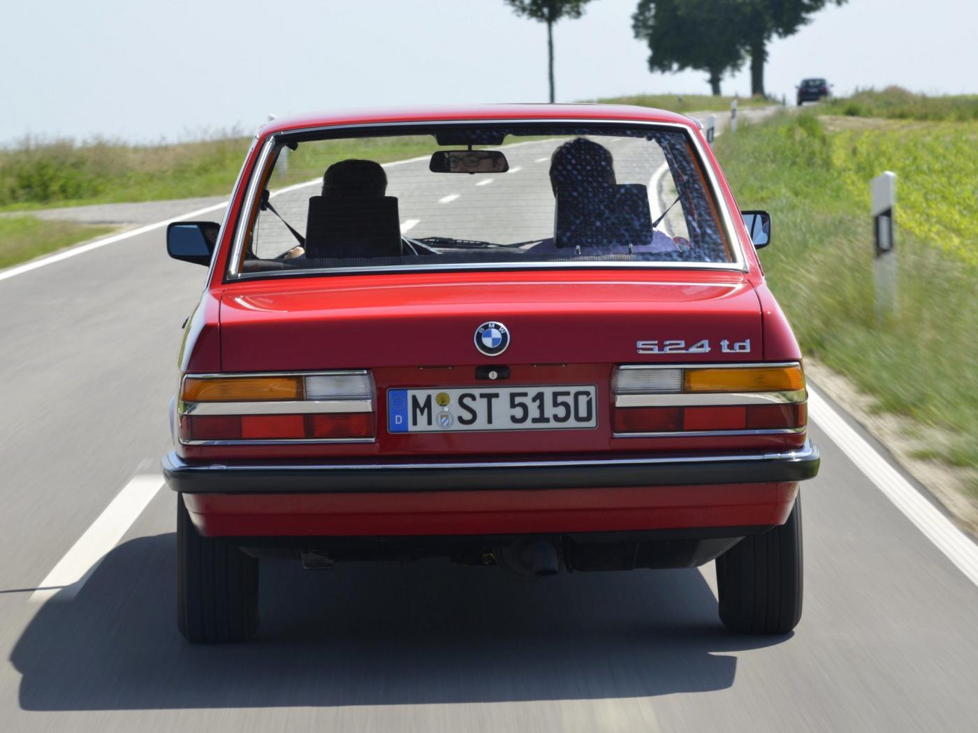 BMW-E28-8.jpeg