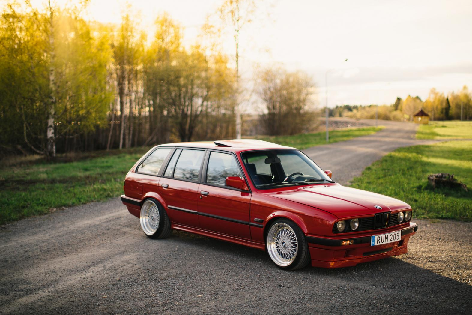 BMW-E30-Touring.jpeg
