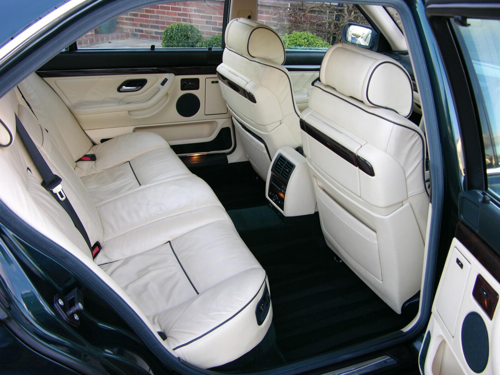 BMW-E38-10.jpg