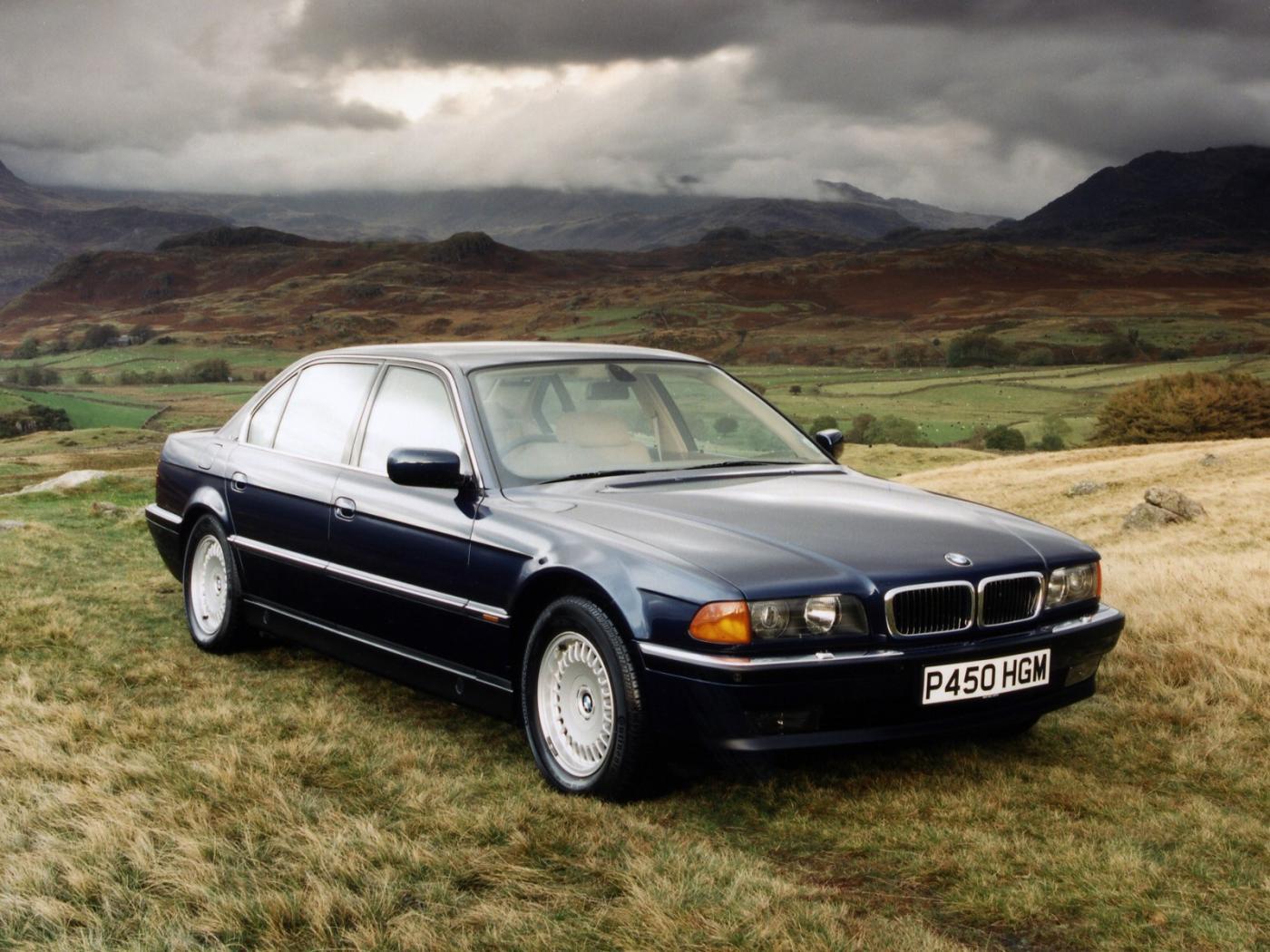 BMW-E38-2.jpeg