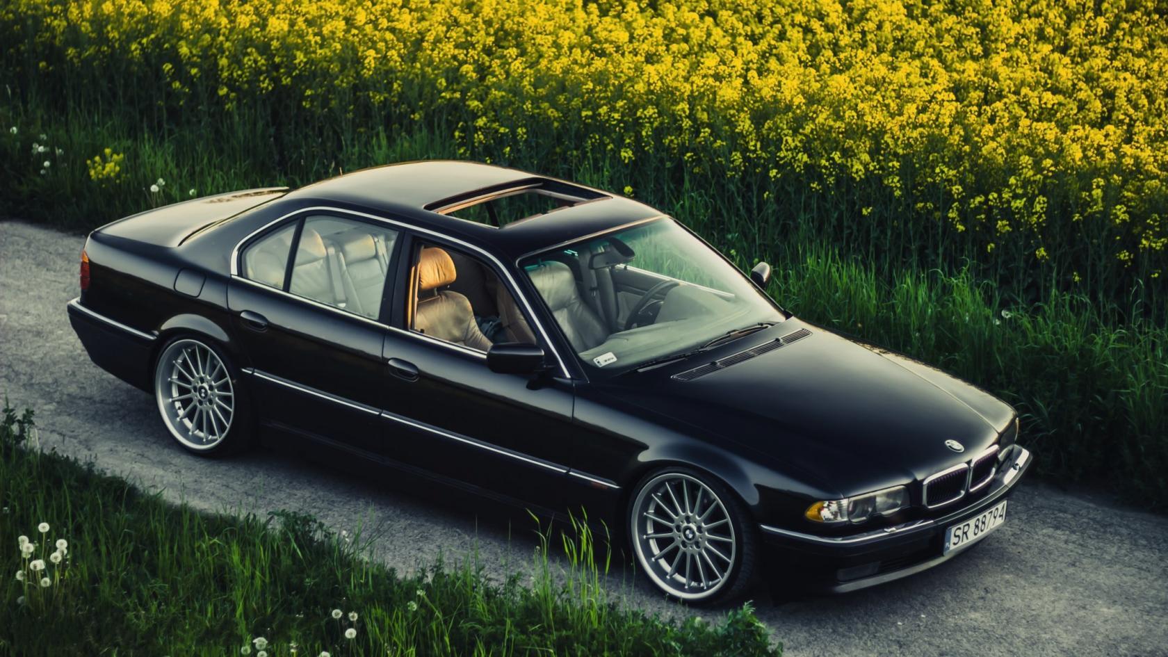 BMW-E38-3.jpeg