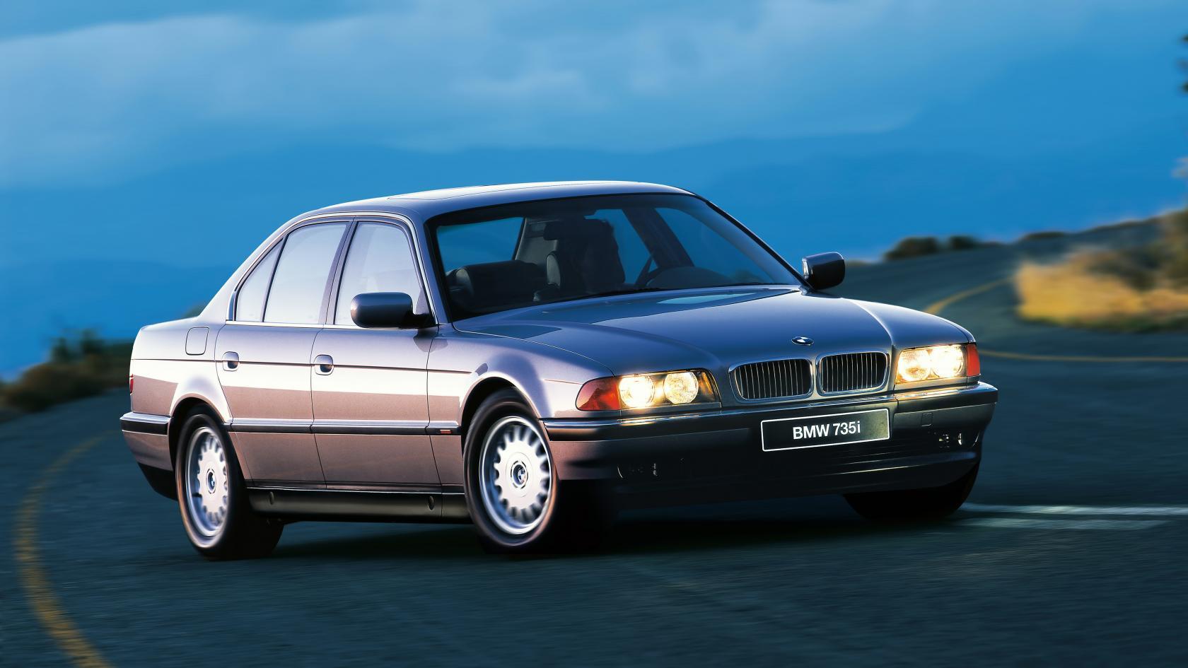 BMW-E38-5.jpeg