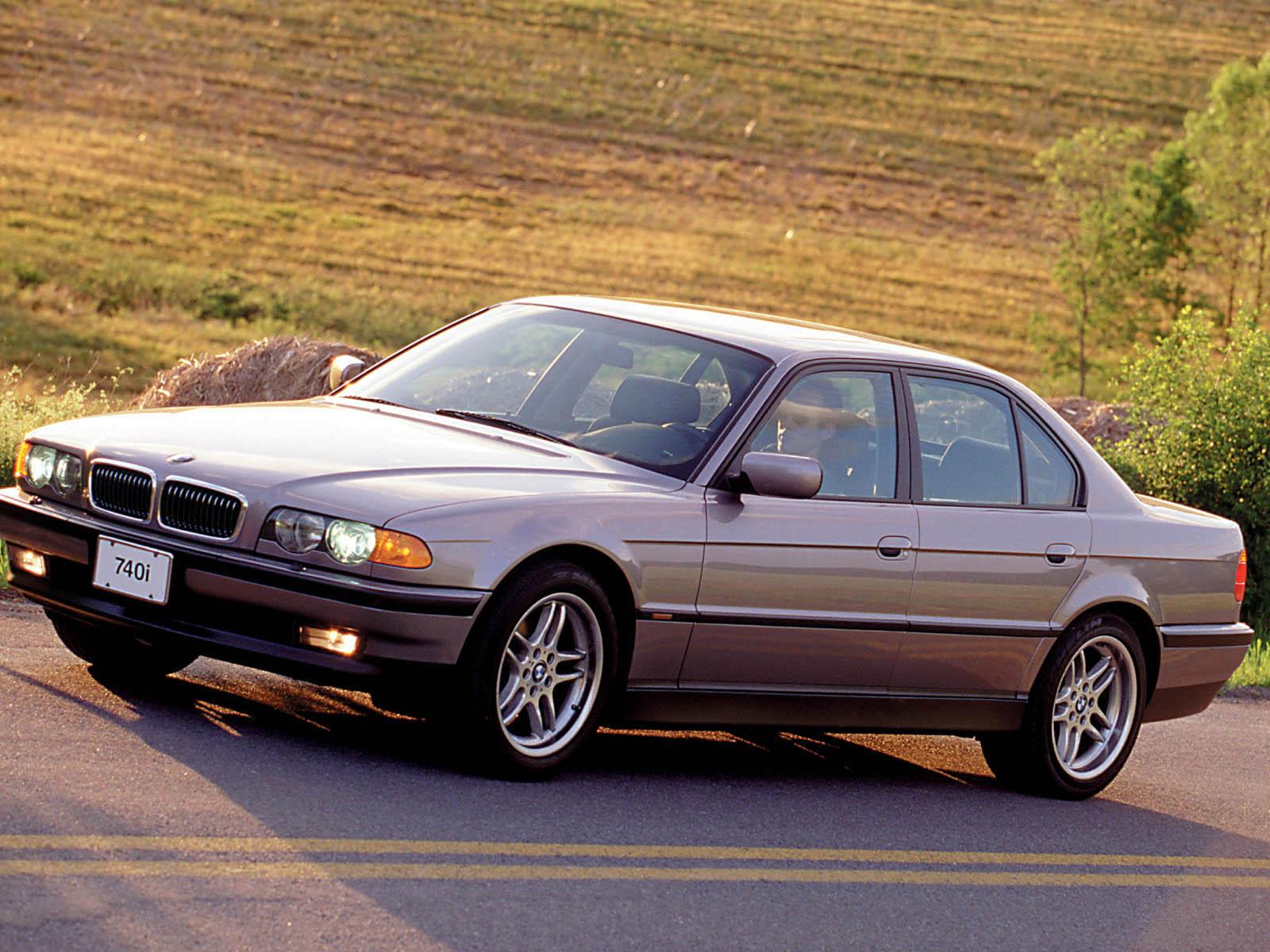 BMW-E38-6.jpg