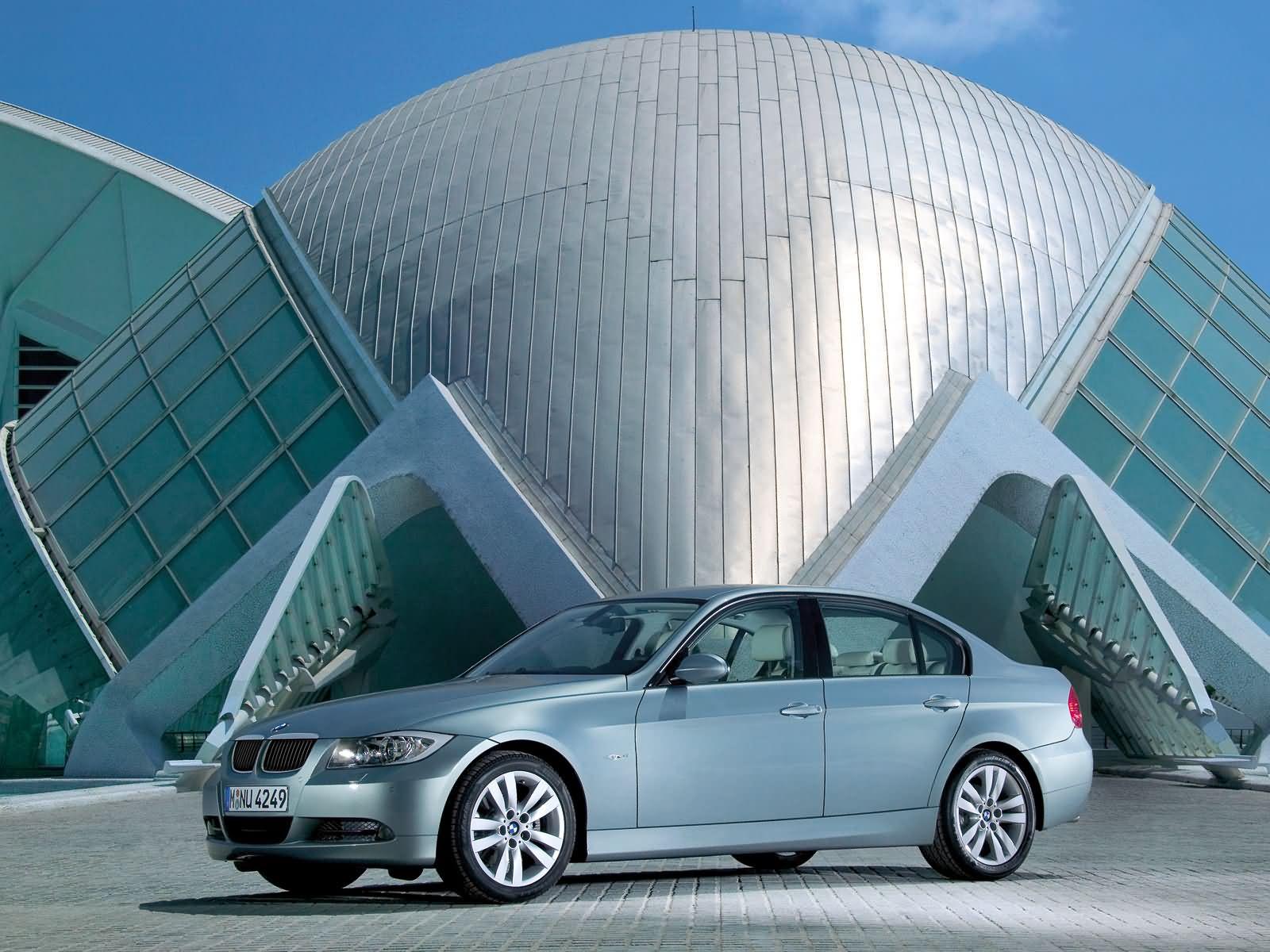 BMW-E90.jpg