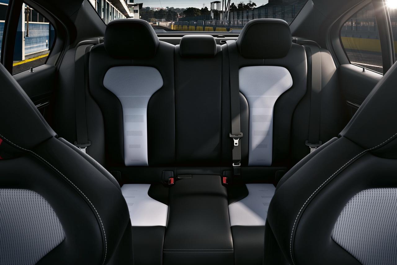 BMW-M3-CS-2018-4