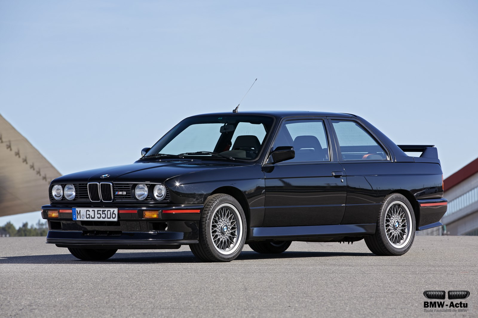 BMW-M3-E30-evolution1.jpg