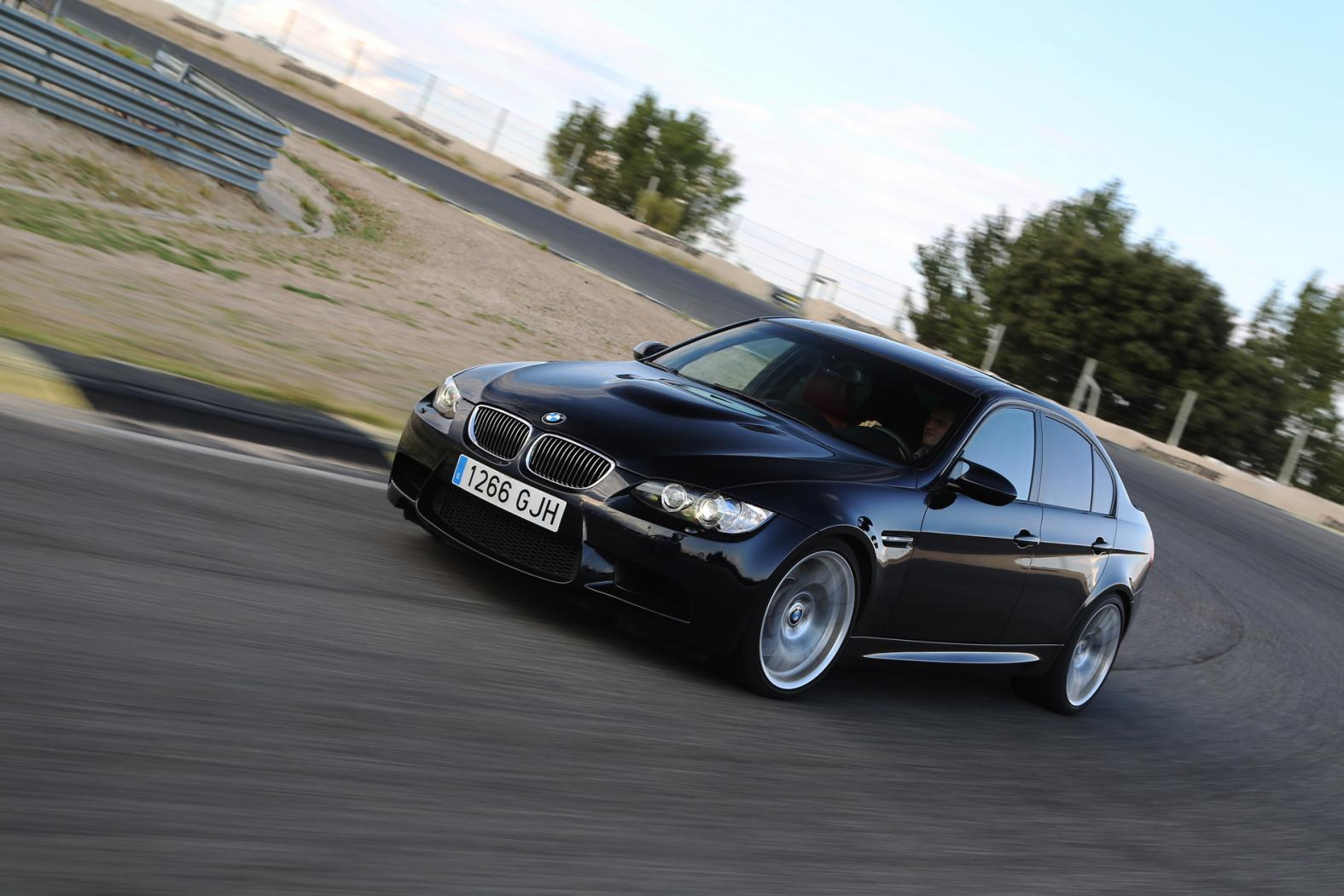 BMW-M3-E90.jpeg
