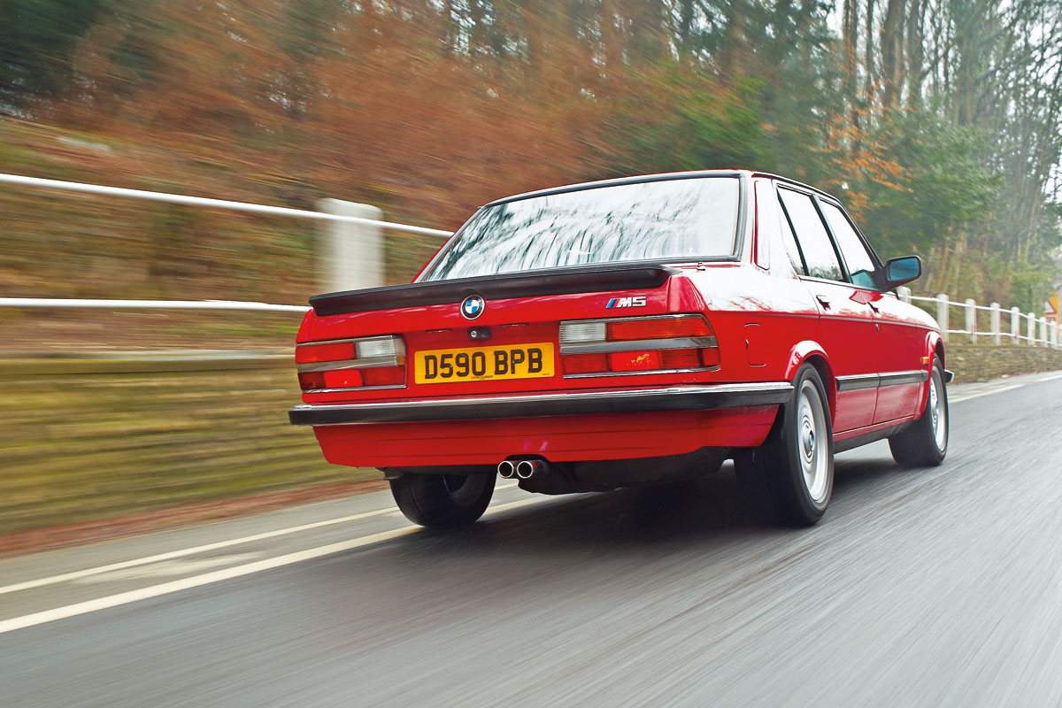 BMW-M5-E28-2.jpg