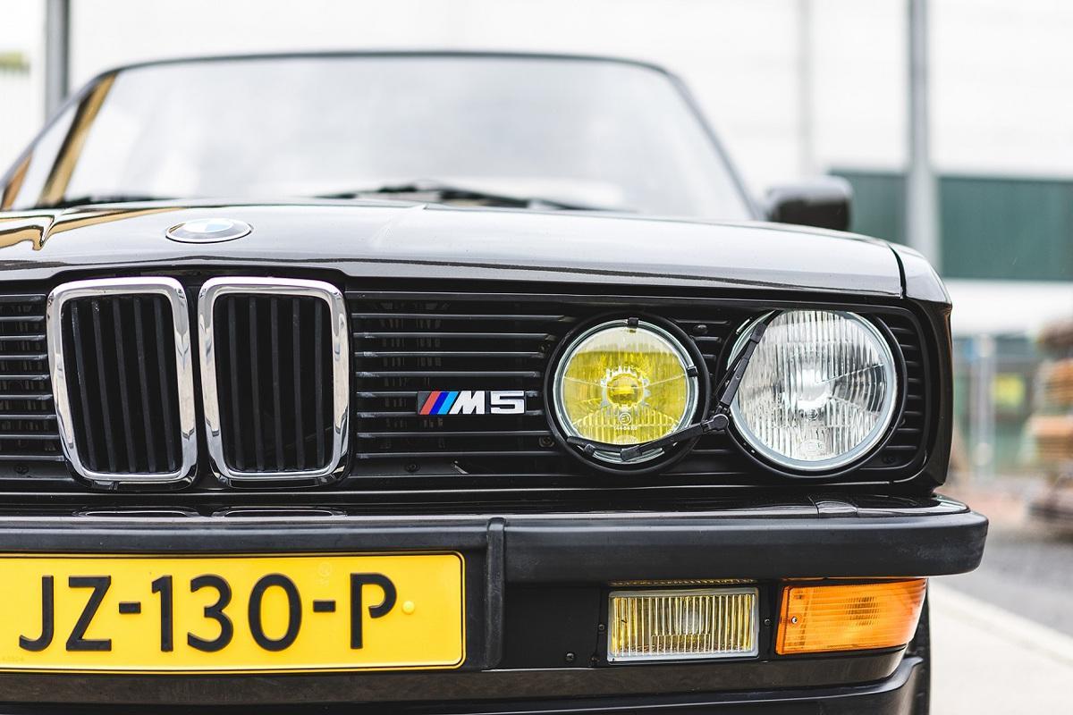BMW-M5-E28-3.jpeg