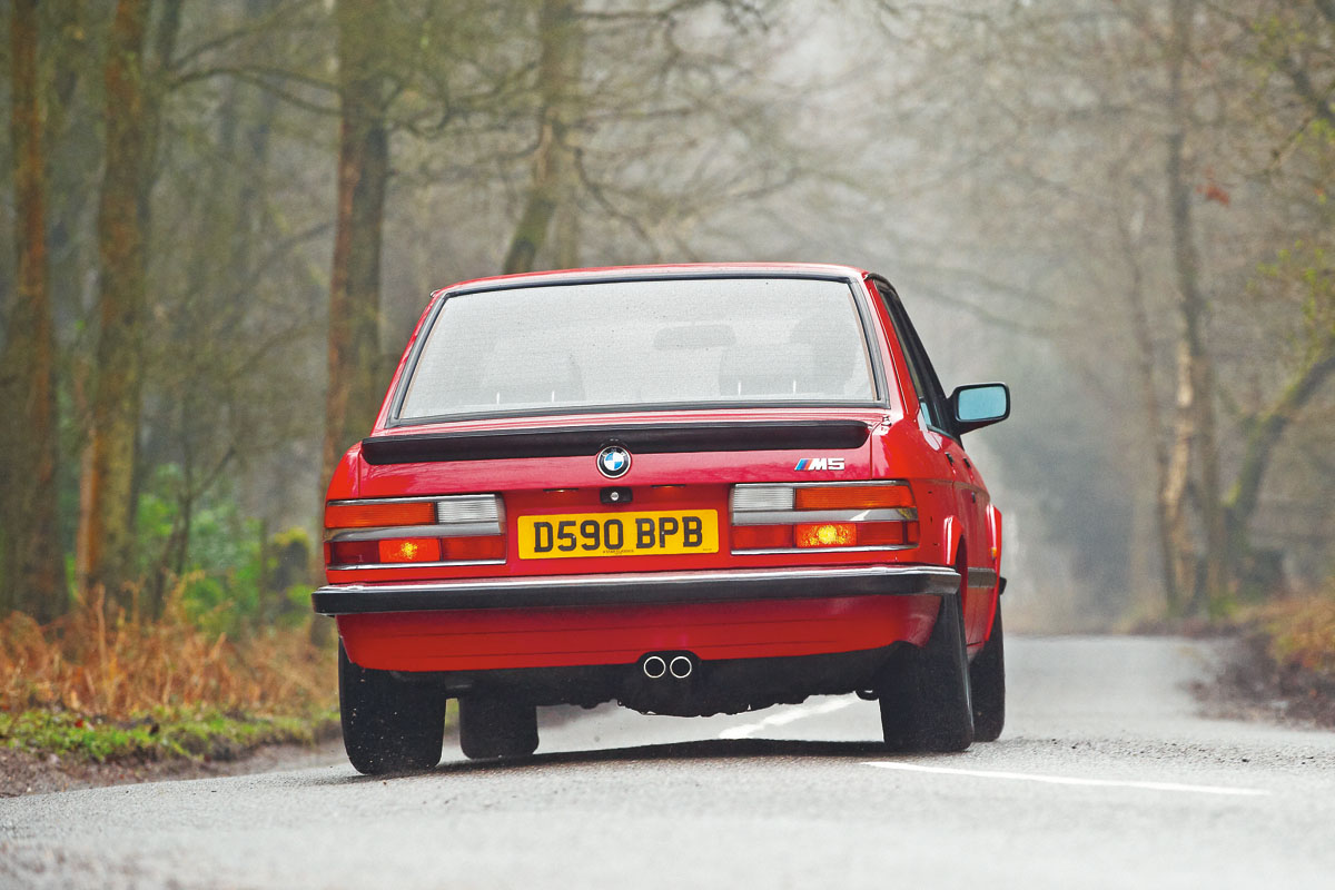 BMW-M5-E28-5.jpg