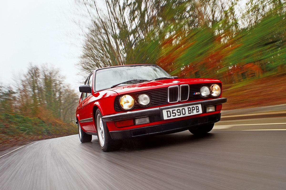 BMW-M5-E28-intro.jpg