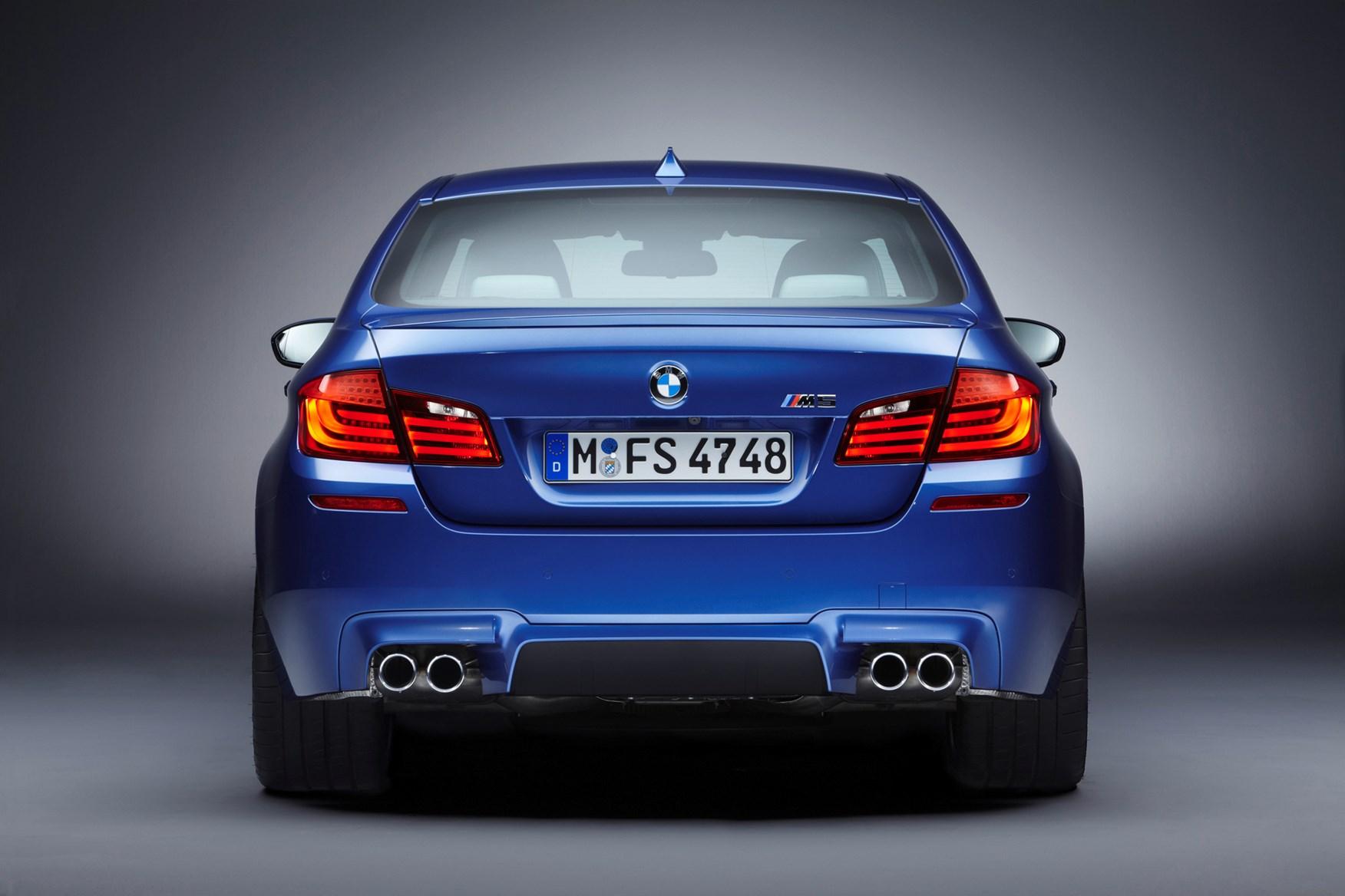BMW-M5-F10-6.jpg