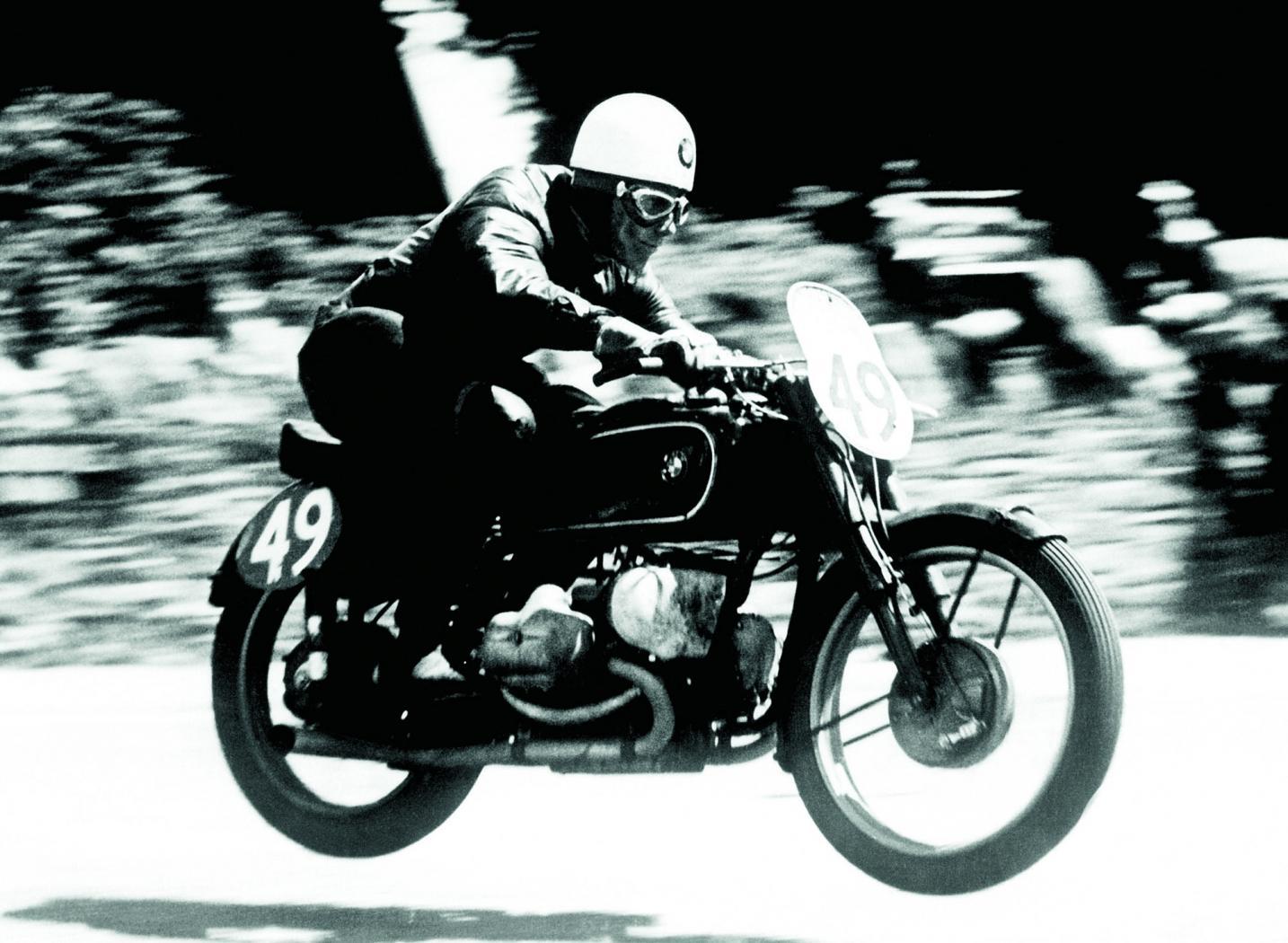 BMW-Motorrad-8.jpeg