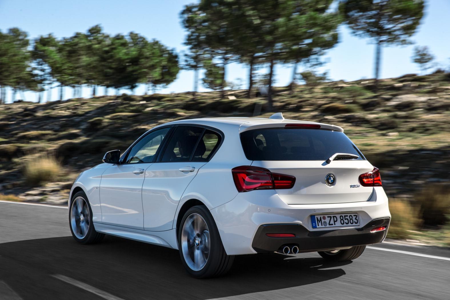 BMW-Serie-1-F20-sur-route.jpeg