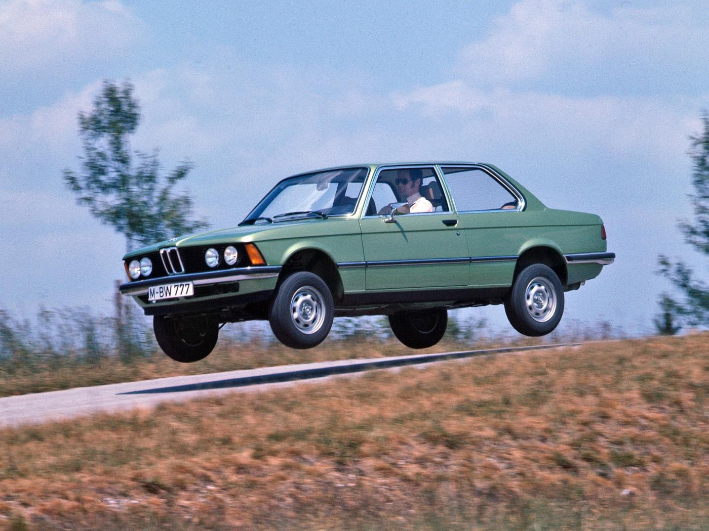 BMW-Serie-3-E21-4.jpeg