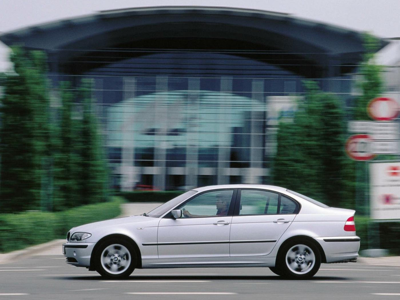 BMW-Serie-3-E46-berline.jpeg
