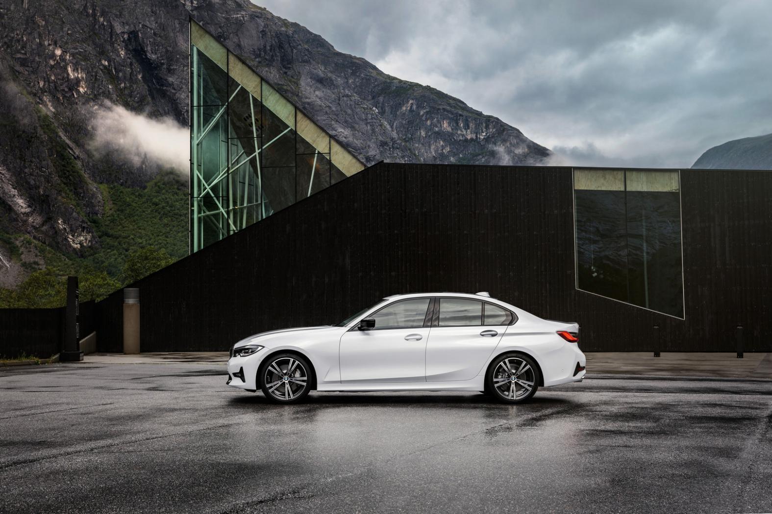 BMW-Serie-3-G20-une-nouvelle-generation-plus-sportive-et-mieux-equipee-3.jpeg