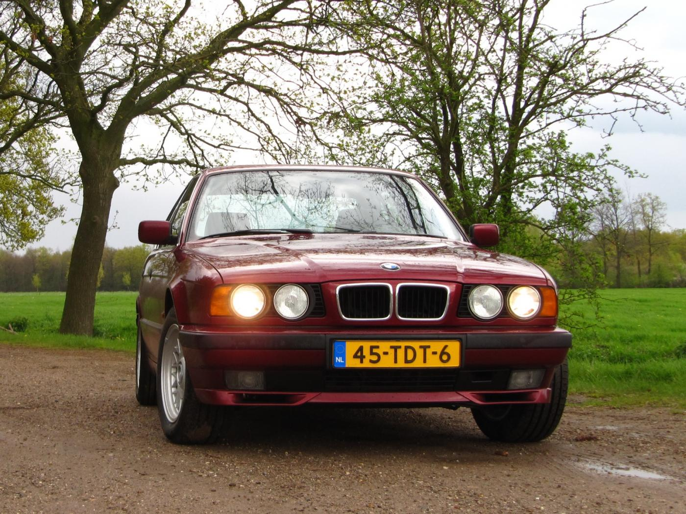 BMW-Serie-5-E34.jpeg