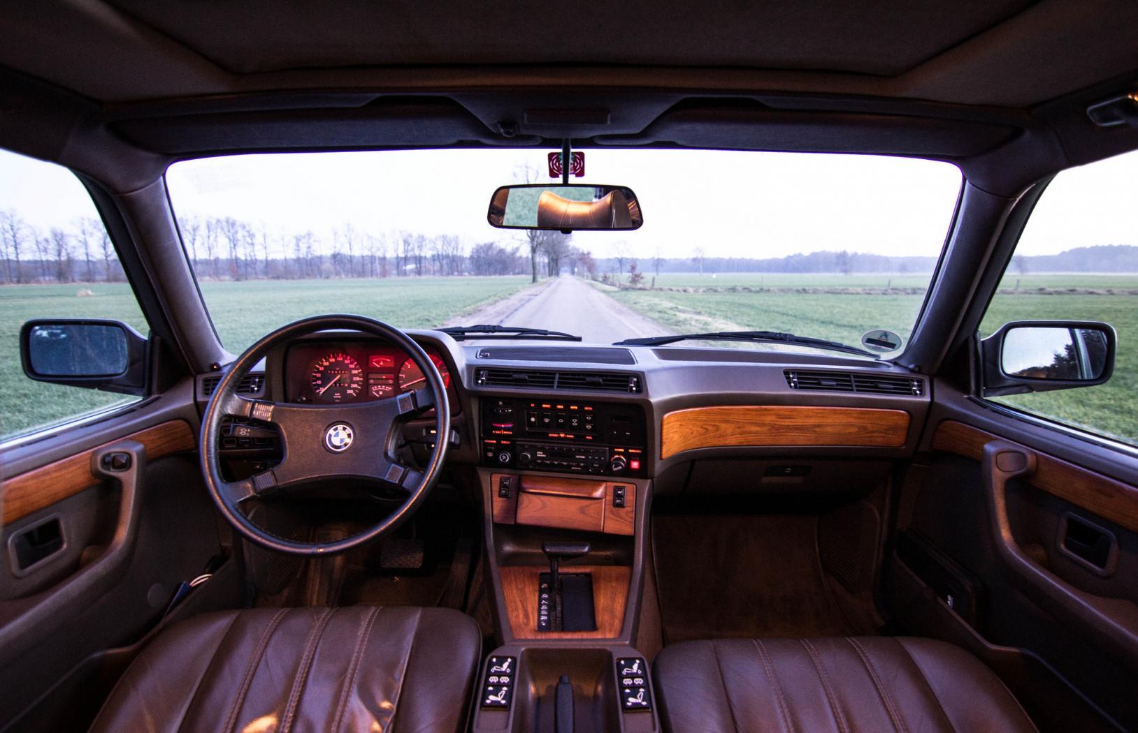 BMW-Serie-7--E23-11.jpeg