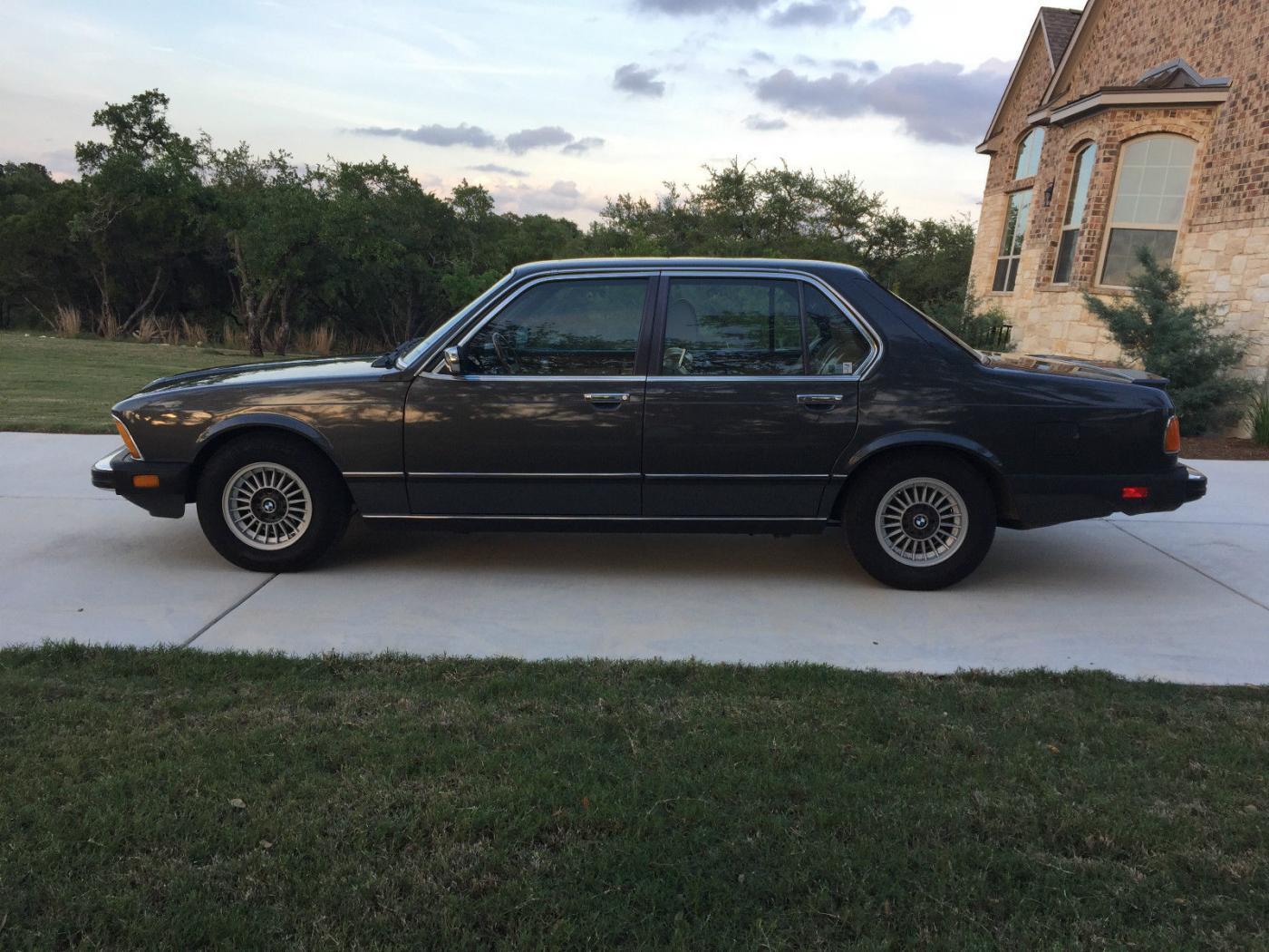 BMW-Serie-7--E23-5.jpeg