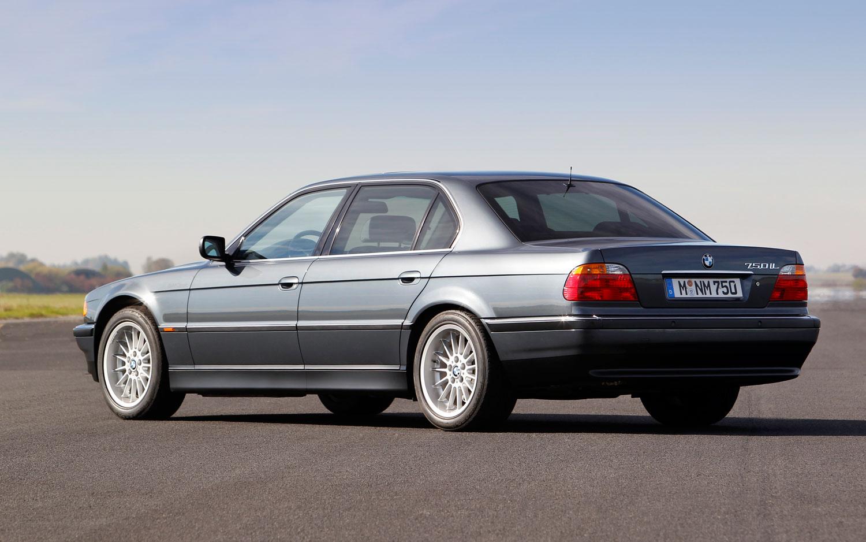 BMW-Serie-7-E38-2