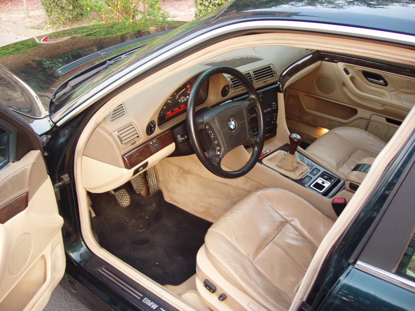 BMW-Serie-7-E38-4