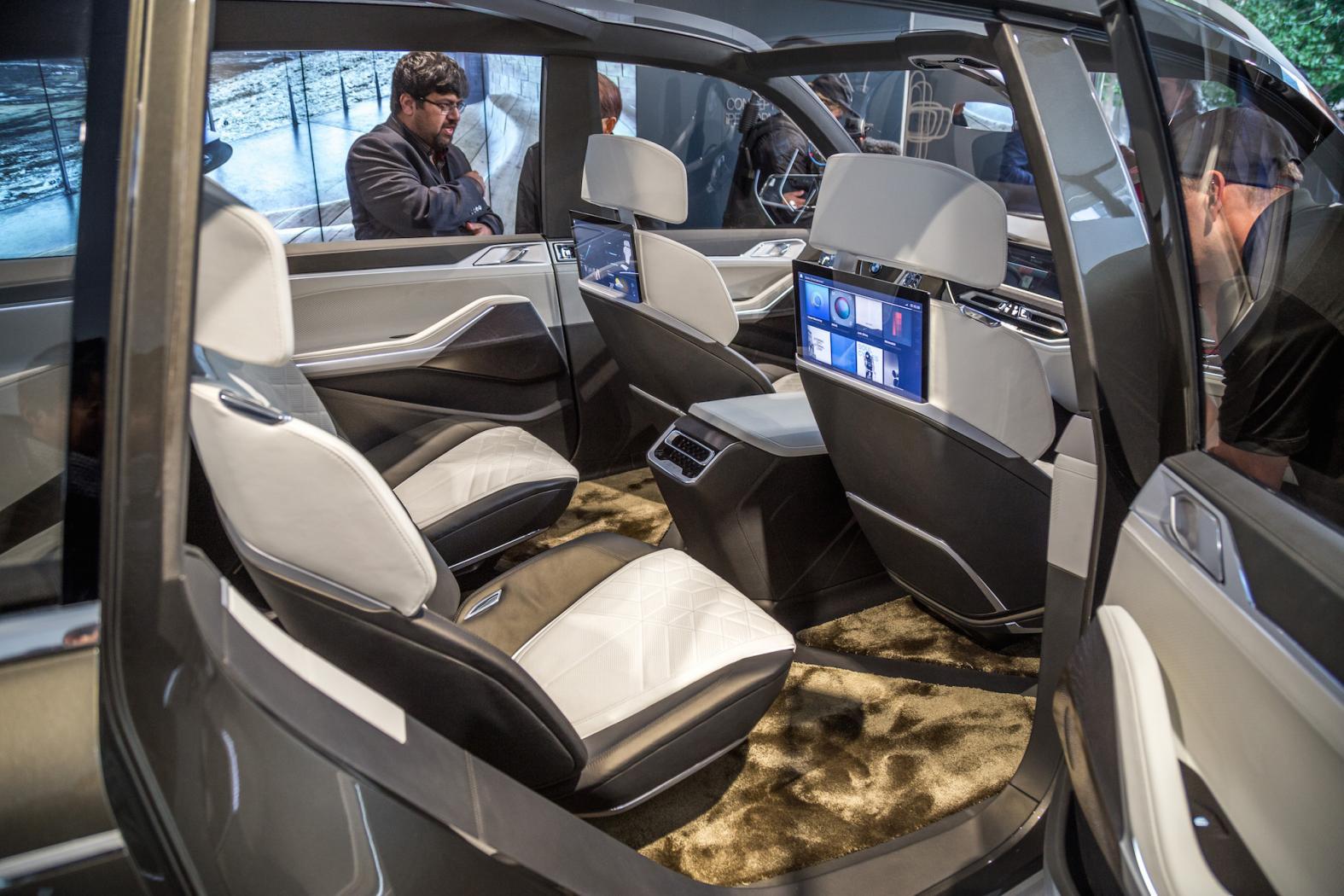 BMW-X7-6.jpeg