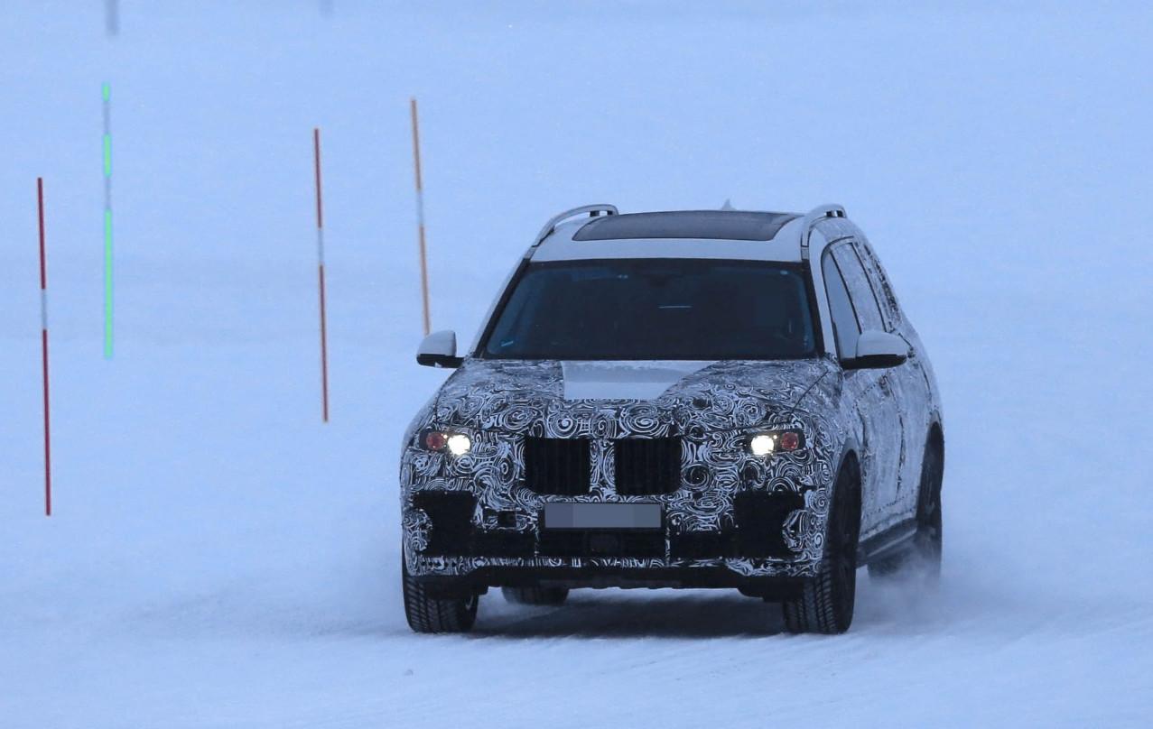 BMW-X7-9.jpg