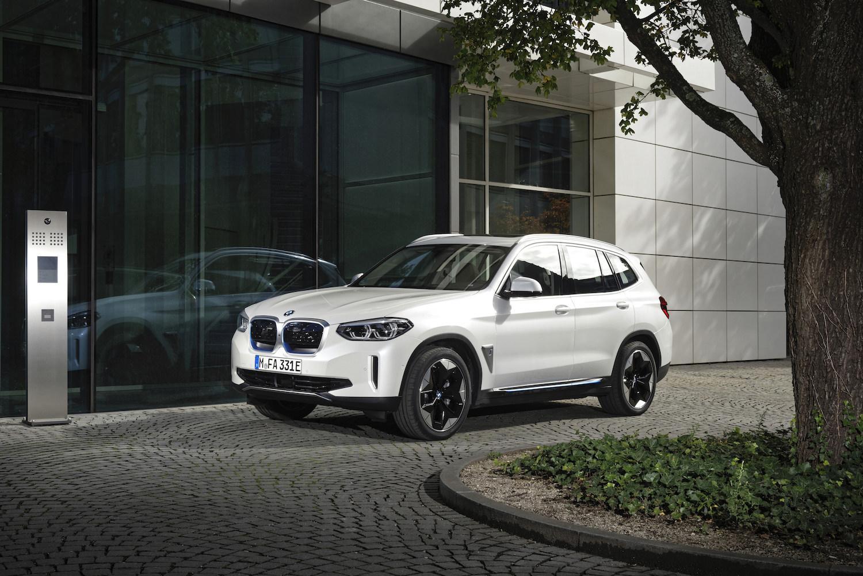 BMW-iX3-Presentation-1.jpeg