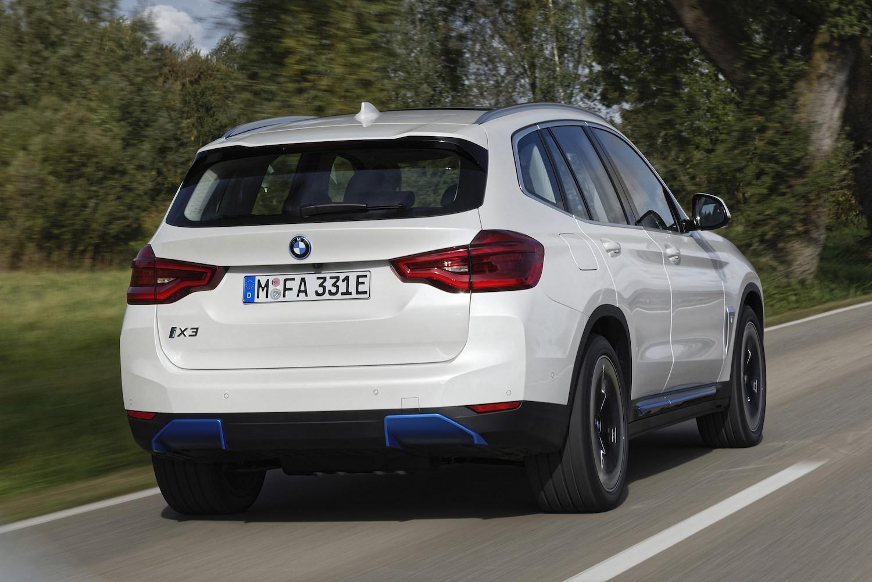 BMW-iX3-Presentation-2.jpeg
