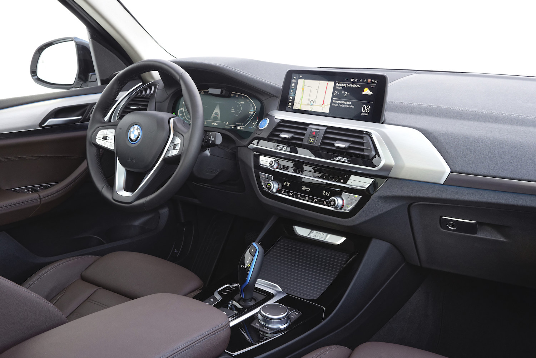 BMW-iX3-Presentation-4.jpg