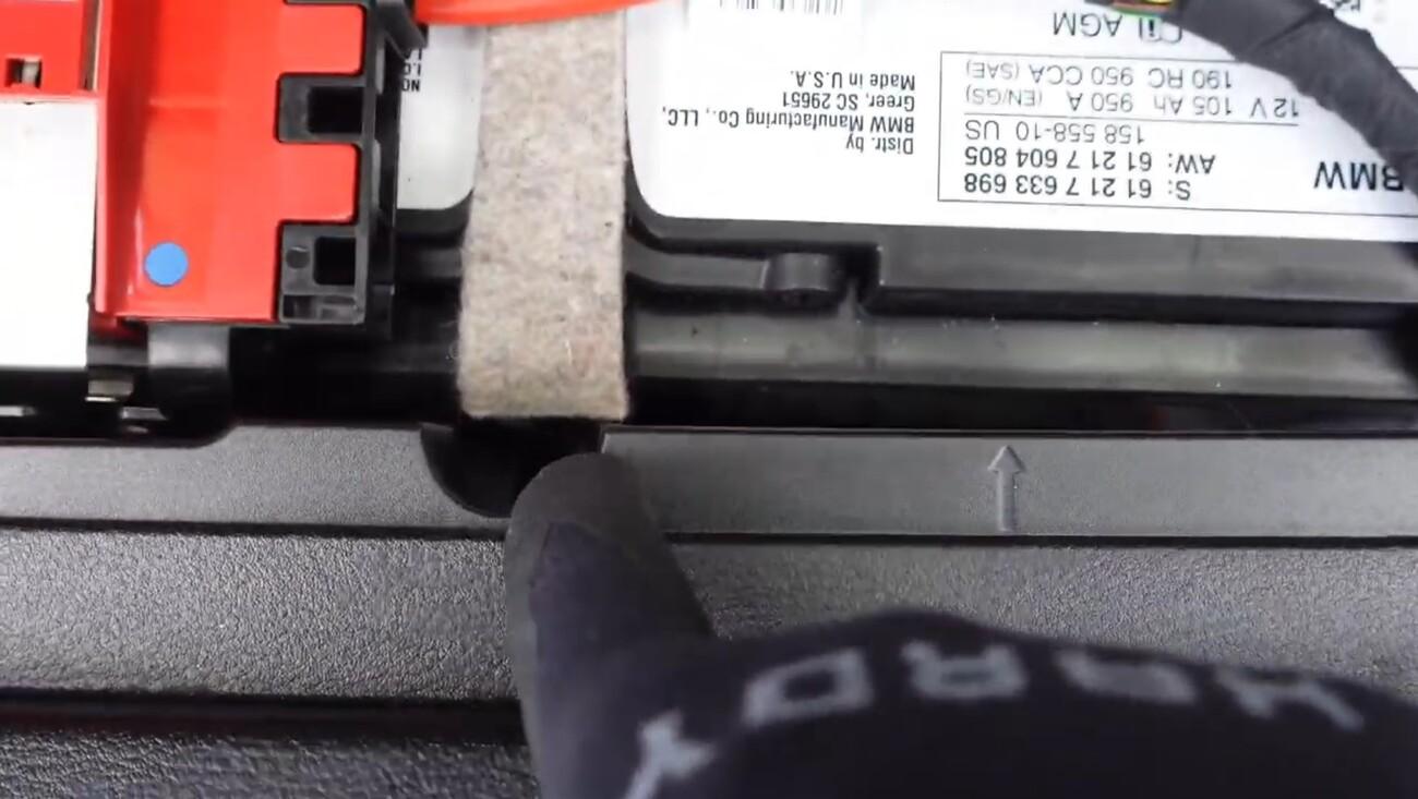 BMWX3F25-Tuto-remplacement-batterie-9.jpg