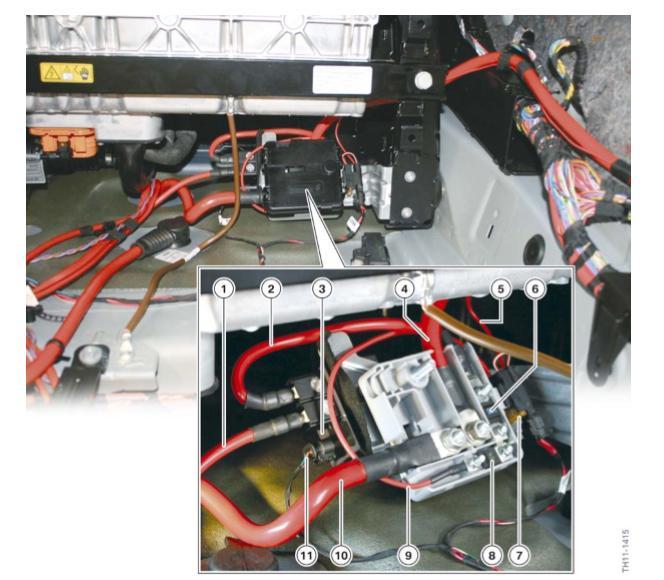 Boitier-de-distribution-d-energie-et-relais-de-coupure.jpeg