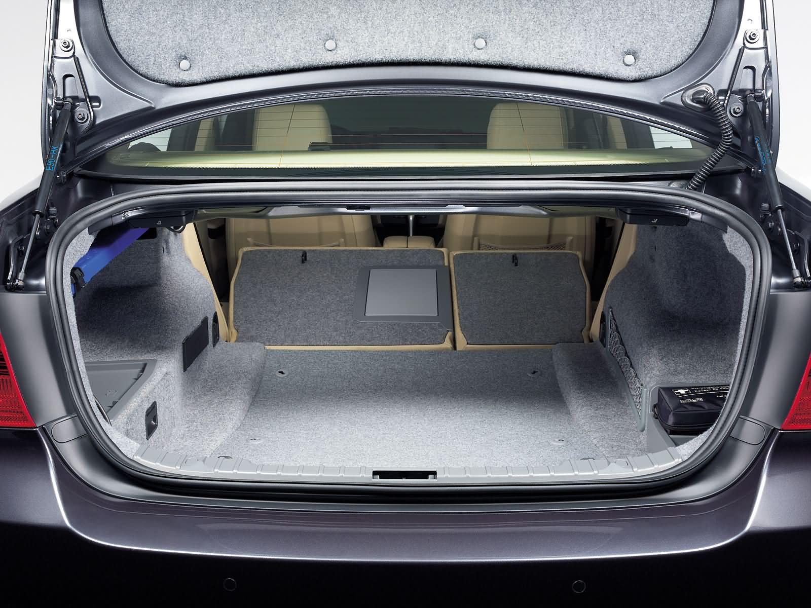 Coffre-a-baggages-Serie-3-E90.jpg