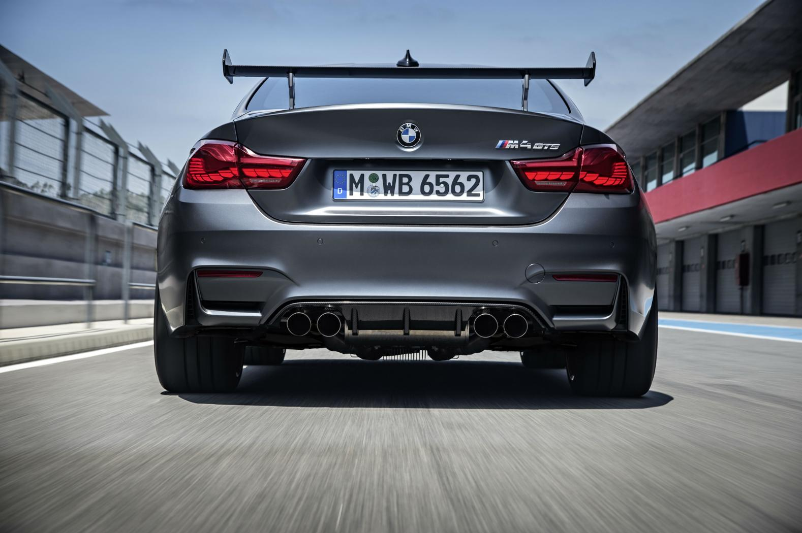 Face-arriere-BMW-M4-GTS.jpeg