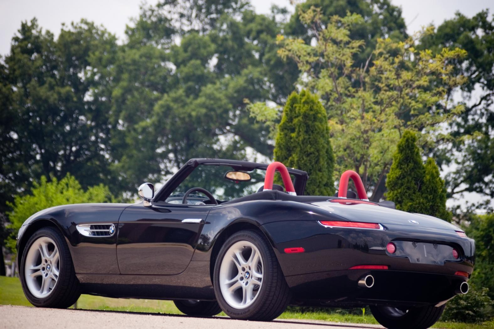 Face-arriere-BMW-Z8.jpeg