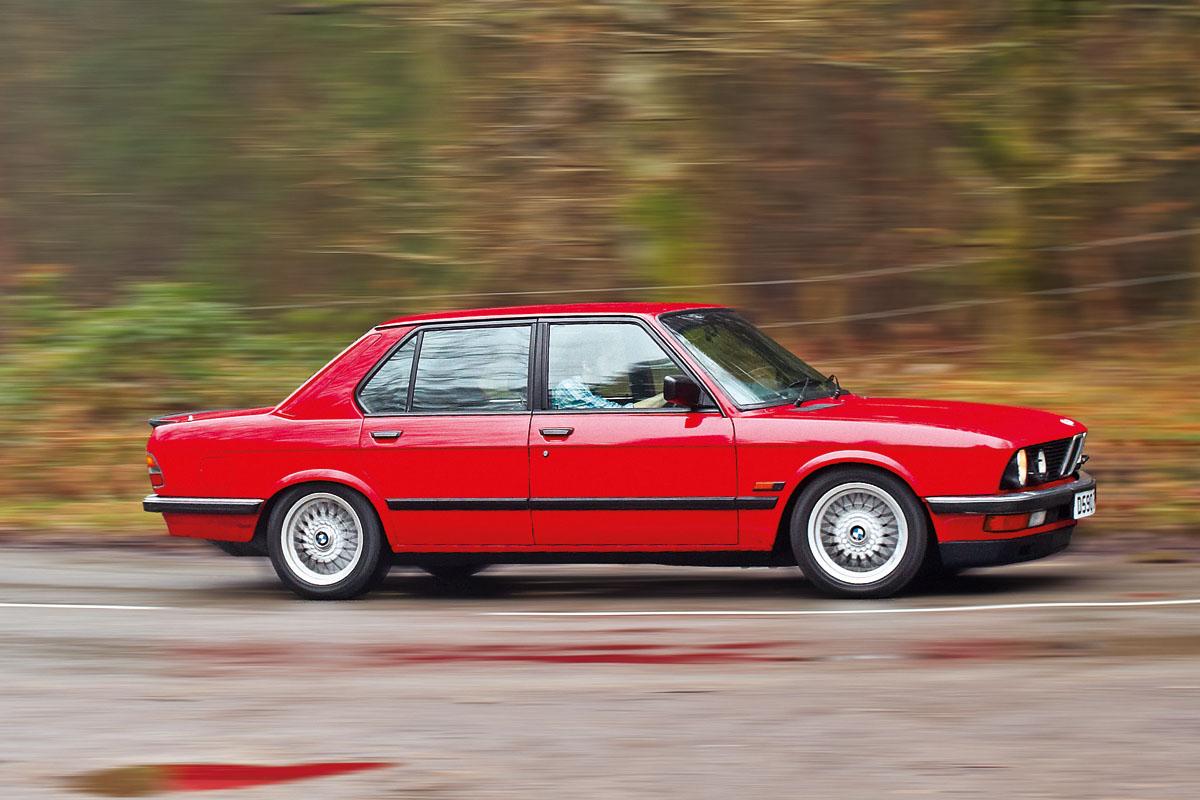 Fiche-occasion-BMW-M5-E28-8.jpg