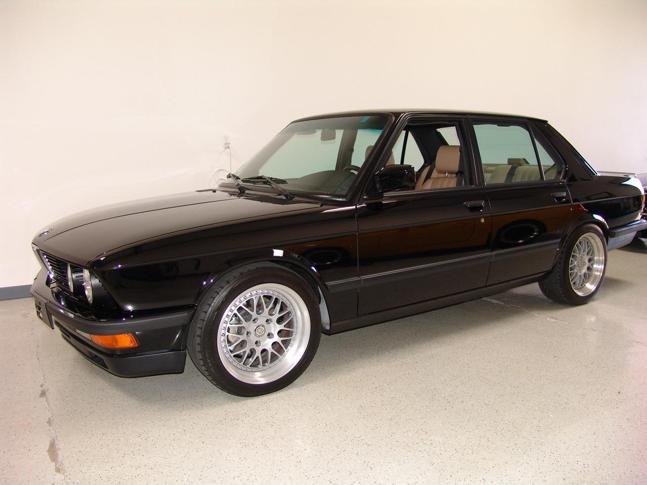 Fiche-occasion-BMW-M5-E28-9.jpg