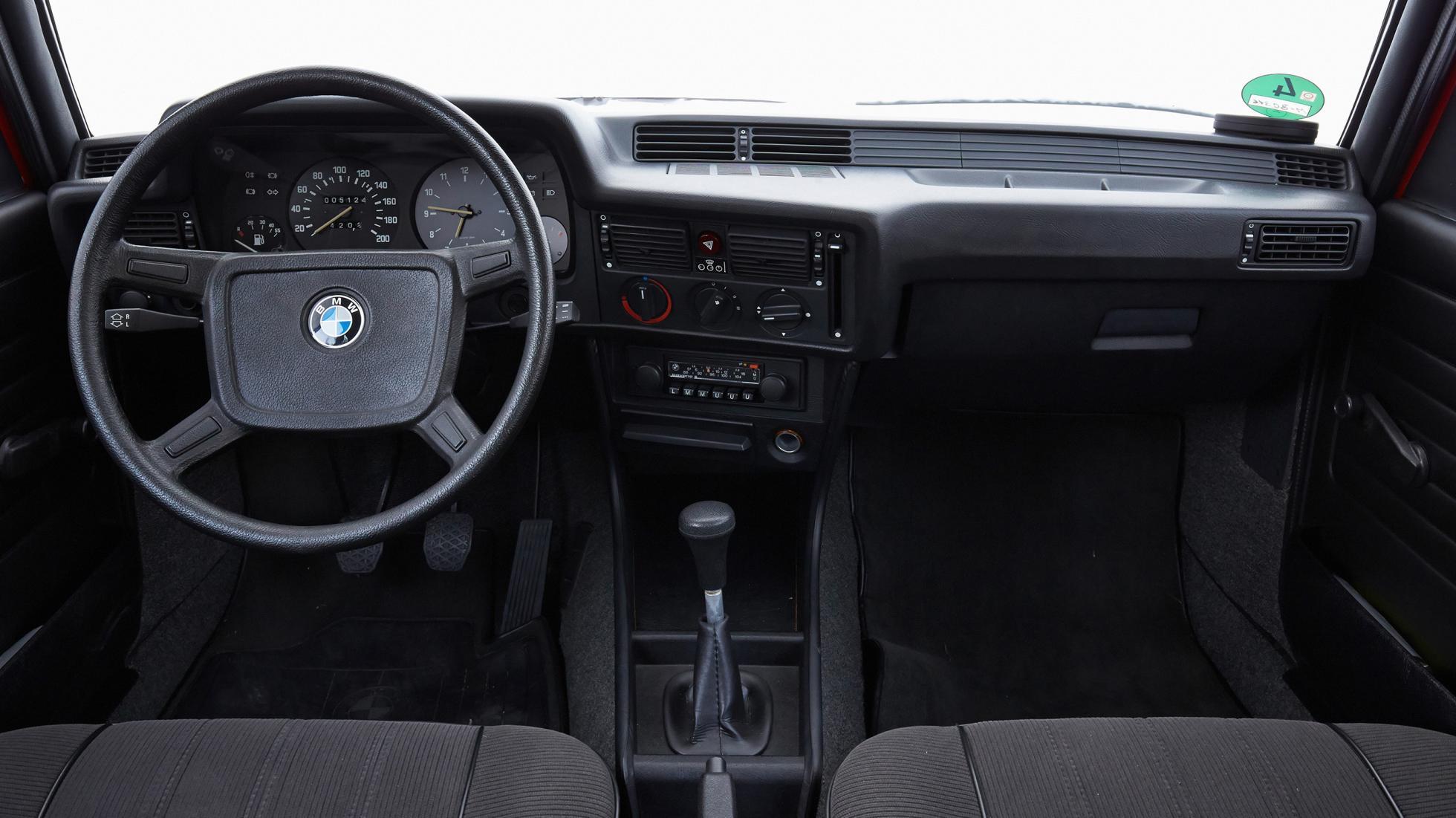 Fiche-occasion-BMW-Serie-3-E21-3.jpg