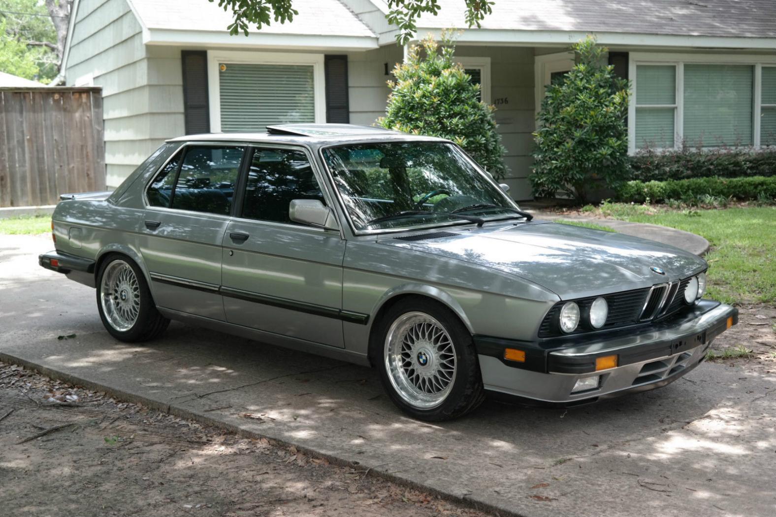 Fiche-occasion-BMW-Serie-5-E28-4.jpeg
