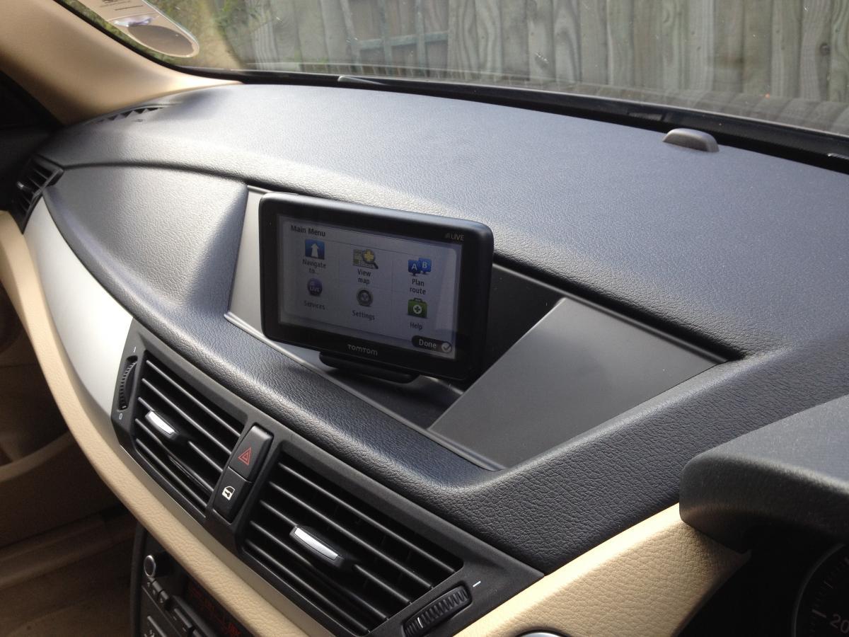 Le-business-des-mises-a-jour-GPS-BMW-3.jpg