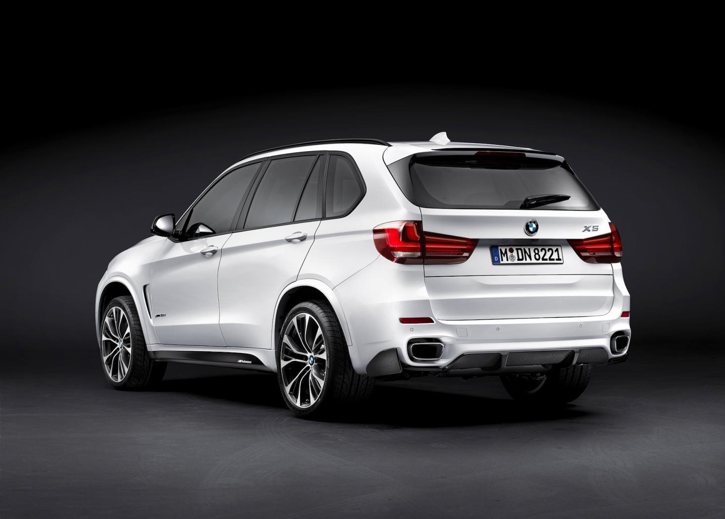 Ligne-d-accessoires-BMW-Performance--3.jpeg