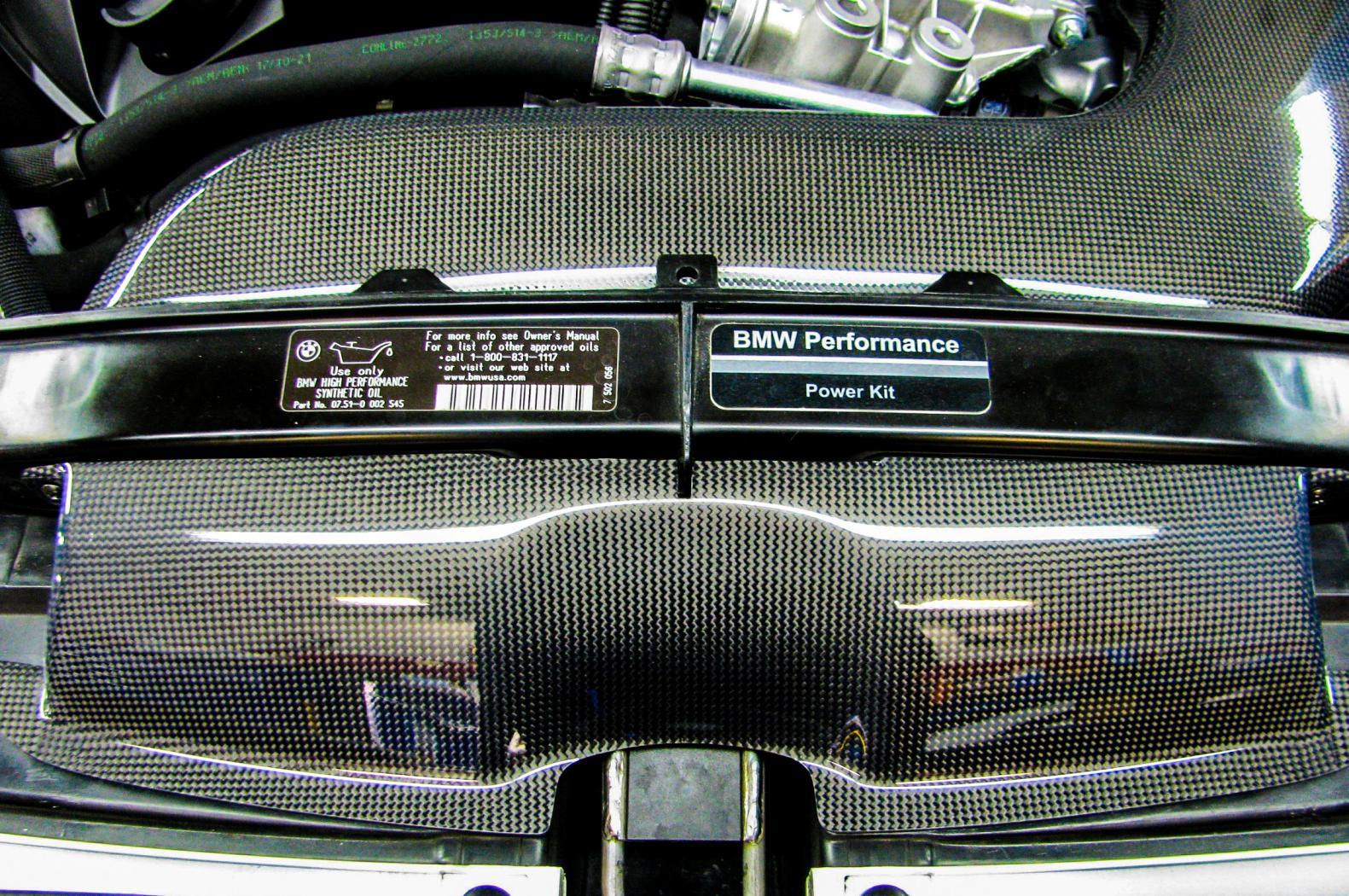 Ligne-d-accessoires-BMW-Performance--8.jpeg