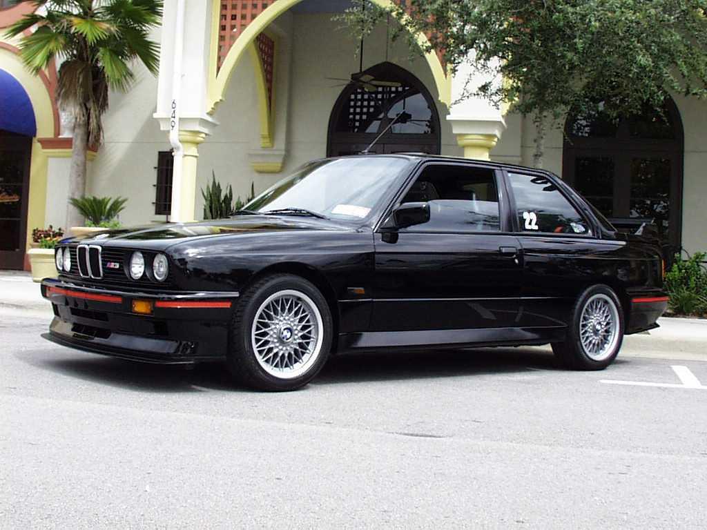 M3-E30-SportEvolution.jpg